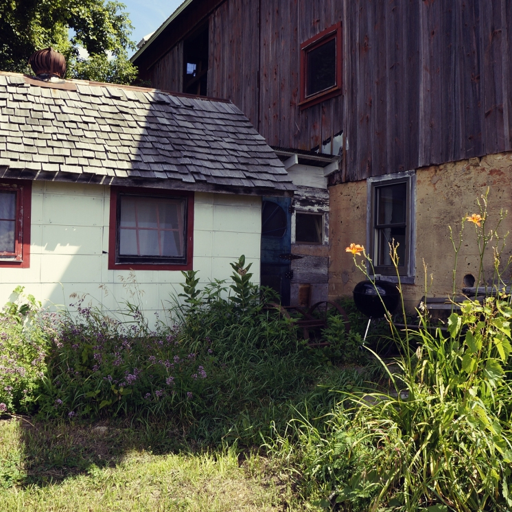 Side of the barn-- that white attachment is our washroom.